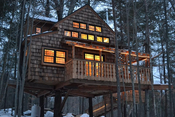 treehouse winter chalet