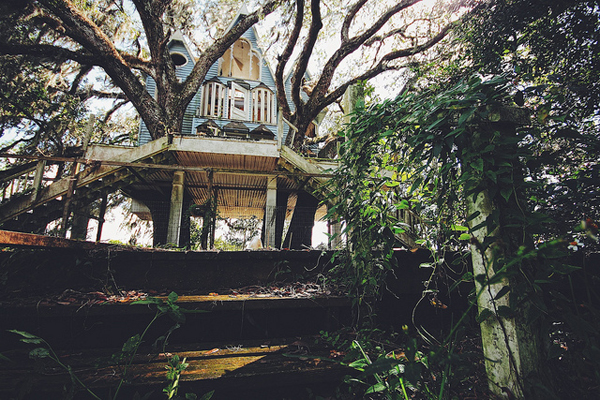 victorian-treehouse-pic-2