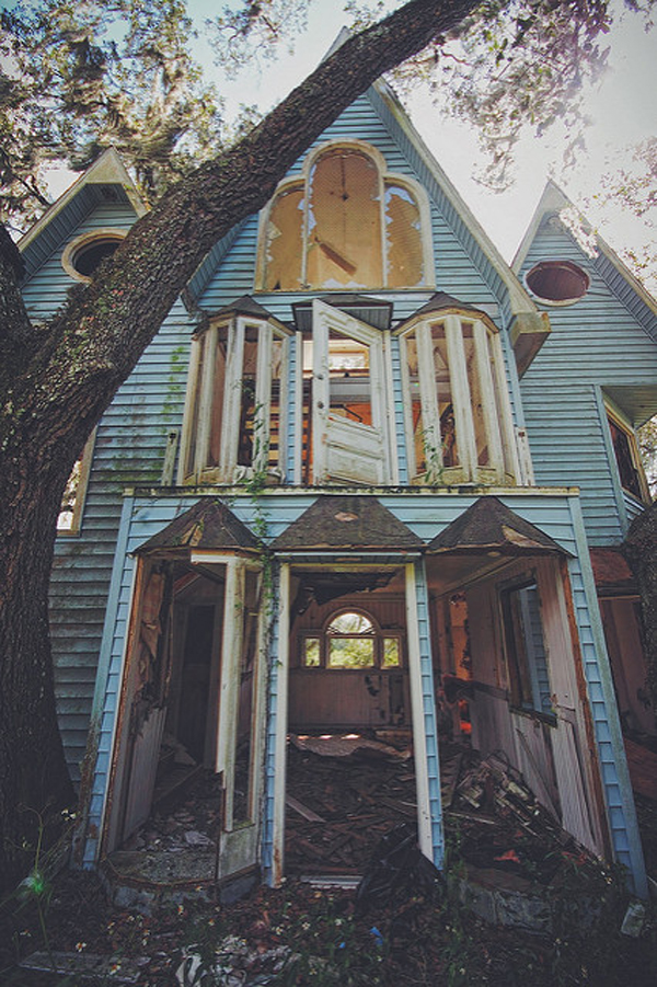victorian-treehouse-pic-4